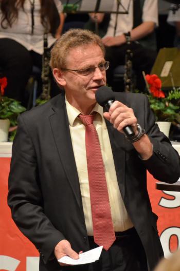 Karl Heinz Hausmann moderierte die Veranstaltung