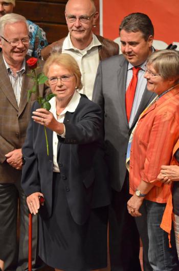 Gertrud Steschulat wurde für 60-ährige Mitgliedschaft geehrt